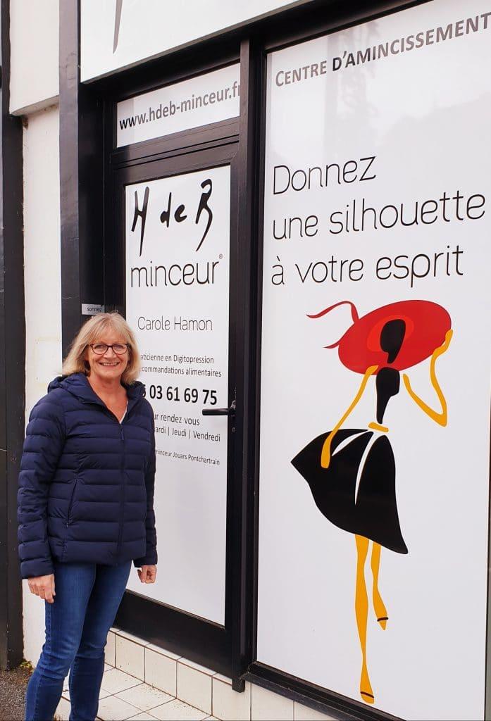 Carole Hamon devant son centre H de B Minceur